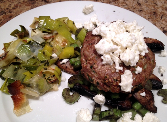 cow crumbs, gluten free, dairy free, paleo, healthy dinner, stuffed mushrooms, turkey burgers, roasted leeks,