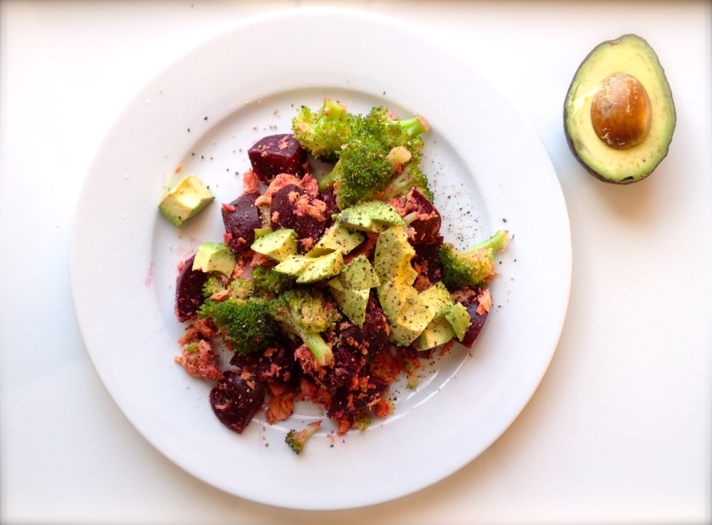cow crumbs, dairy free, salmon, roasted beets, steamed broccoli, avocado, easy dinner, paleo,