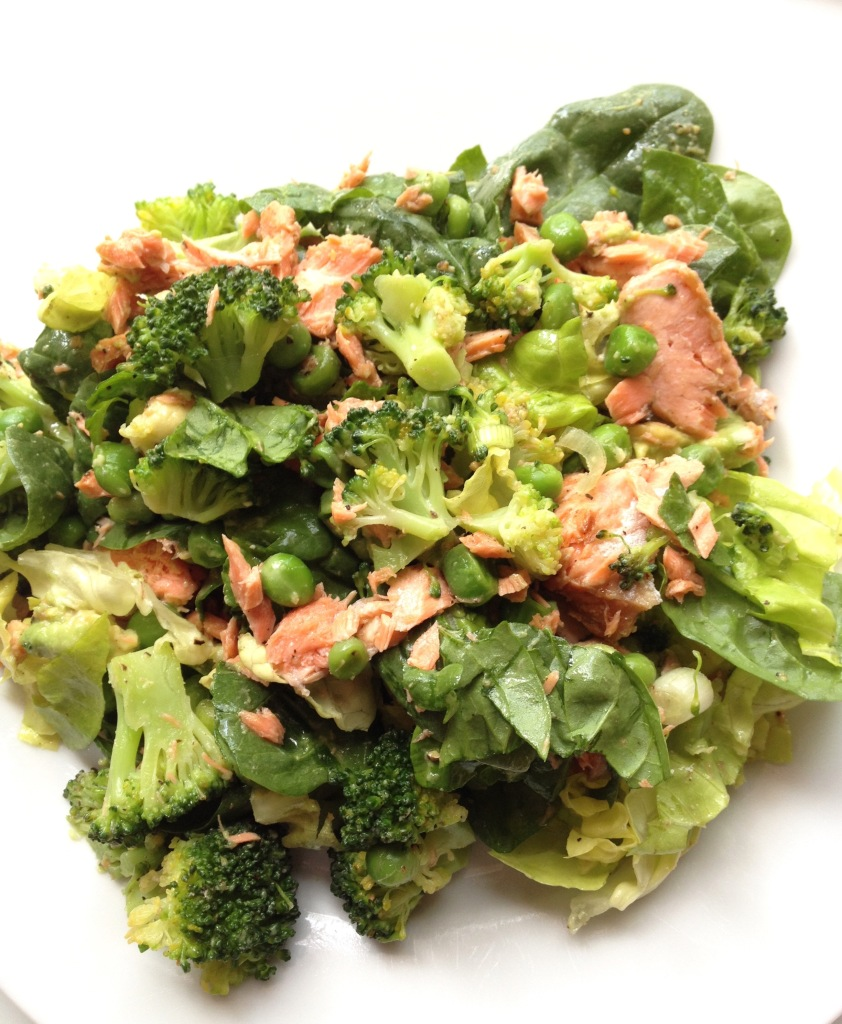 cow crumbs, gluten free, dairy free, paleo, salmon, broccoli salad, peas, spinach salad, boston lettuce, avocado, superfood salad
