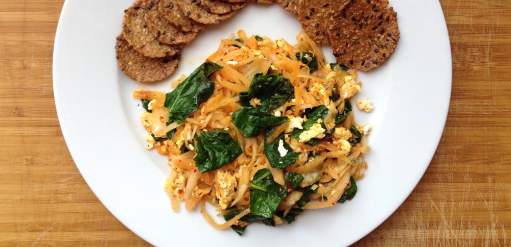 cow crumbs, kimchi, probiotics, mary crackers, gluten free, dairy free, healthy lunch, wilted spinach, kimchi bowl